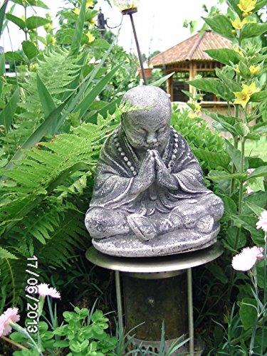 Stein BUDDHA ca 4 kg 21 cm hoch 16 cm tief 17 cm breit Feng-Shui Mönch Priester Steinfigur massiv Skulptur Steinguss Frostfrei